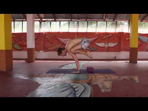 Asana Kitchen: Strength & Balance Bakasana Transition with David Garrigues (Crow Posture)