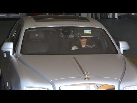 Kim Kardashian Leaves Medical Building In Platinum Rolls Royce Youtube