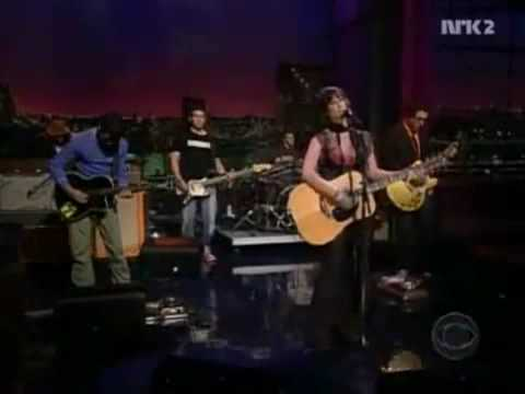 ALANIS MORISSETTE - EVERYTHING (Live 2004)