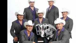 Download Ayer La Vi Por La Calle - Los Rieleros Del Norte