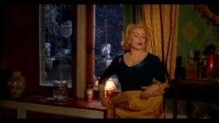 8 женщин песня:Toi Jamais - Catherine Deneuve