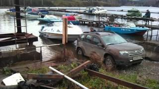 Дастер 1.6 4Х4 тянет лодку.mp4