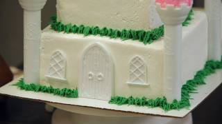 Adding Grass to a Princess Castle Cake | Birthday Cakes