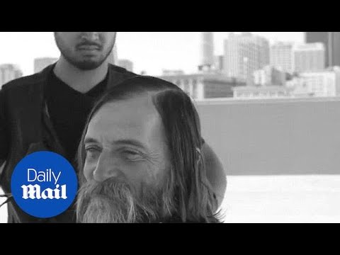 Kind-hearted hairdresser offers free haircut to LA homeless - Daily Mail