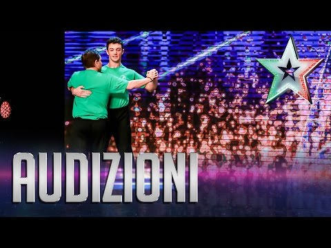 Alessandro e Alessandro ballano la polka chinata | Italia's Got Talent 2015