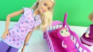 Maşa Çok Hasta Oluyor Barbie Yeni Oyuncak Muayene Seti İle Maşayı Muayene Ediyor