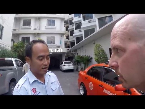 Taxi Racing Car in Pattaya Thailand VLOG 054
