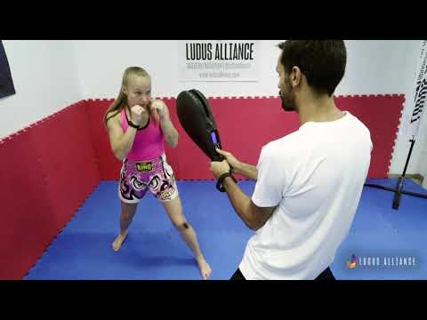 Ludus Alliance - Training Center | Hook and Step Combo - Decision Making (Kickboxing)