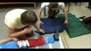 видео Транспортировка больных с переломом шейки бедра