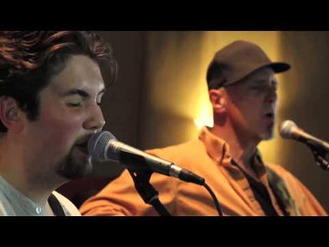 "The Organic Sessions | Sam Lyons ""Kickin"""