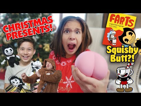 I GOT A SQUISHY BUTT FOR CHRISTMAS!!! Opening Christmas Presents!