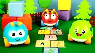 Видео для детей: Жуки-Машинки. Игра в классики