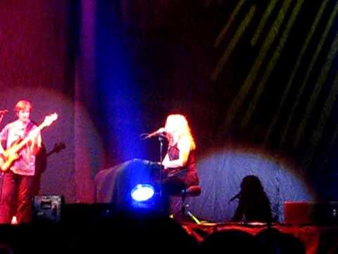 "Vonda Shepard ""Baby, Don't You Break My Heart Slow"" Asheville, NC"