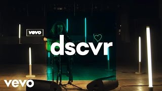 Luke Friend - Hole in My Heart - Vevo dscvr (Live)