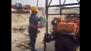 معدات هيئة قناة السويس ترصد ظهور أول مياه فى أول موقع أغسطس 2014