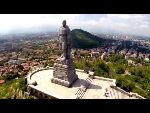 Стоит над горою Алеша - в Болгарии русский солдат.