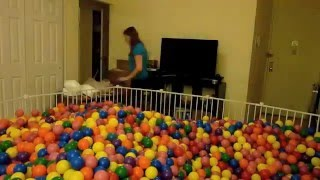 How to build a ball pit in your living room