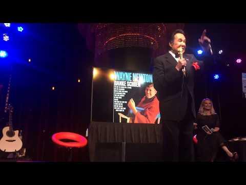 Wayne Newton performs Danke Schoen for Garry Parmett in Vegas !