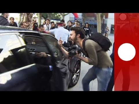 Protesters attack Spanish finance minister\'s car in Barcelona after political rally