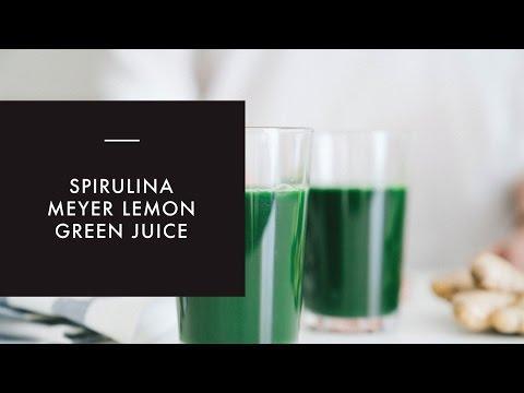 Spirulina Green Juice in a Blender (Vitamix)