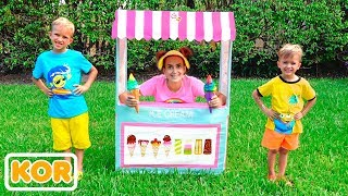 블라드와 엄마가 아이스크림 가게를 재생 척