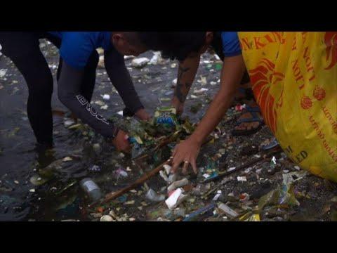 AFP: En Asie, des volontaires participent au World CleanUp Day   AFP