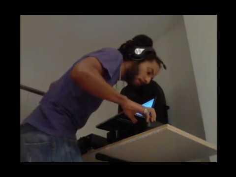 "DJ Jizza: ""Waistline shotz"""