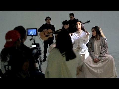 """CEK TOKO SEBELAH - Behind The Scenes Video Klip """"Berlari Tanpa Kaki"""""""