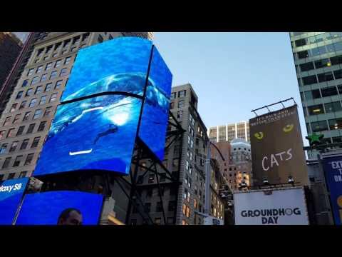 Samsung เล่นใหญ่ไฟกระพริบ ย้อมจอ ณ Timesquare โฆษณาจอไร้ขอบ Galaxy S8 - วันที่ 30 Mar 2017