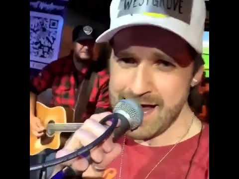 "Luke Bryan Showed Up To His Nashville Bar Last Night And Sang ""Neon Moon"""