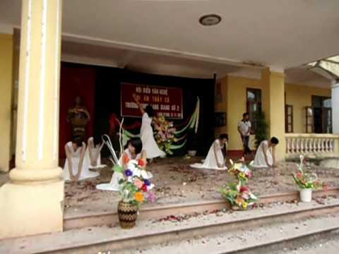 Múa dân gian hiện đại 11A1 - Lạng Giang 2