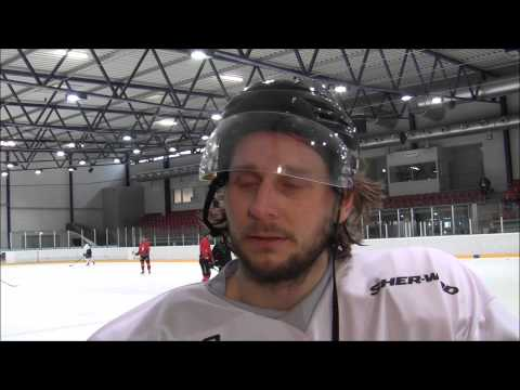 Andreas holmqvist stangs av en match till