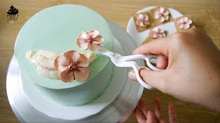 Easy to pipe a peach blossom from  buttercream