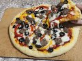 طريقة عمل البيتزا البيتزا الايطالية على طريقة المطاعم ناجحة بدون حليب او بيض وكتجي رائعة فيديو من يوتيوب