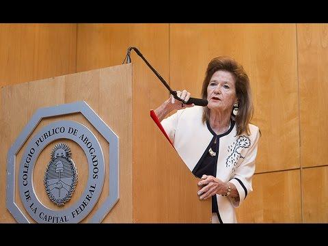 Día Internacional de la Mujer: Elena Highton de Nolasco fue distinguida por el Colegio Público de Abogados de la Capital Federal