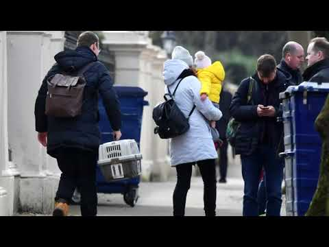 Embassy staff and children leave Russian embassy in London