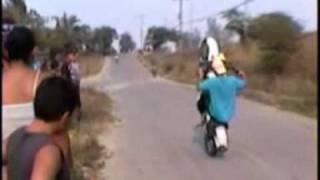 MOTO PIRUETAS NIRGUA-PIKE EN EL PATANO 2