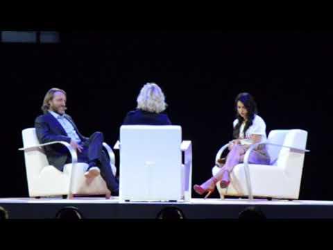 Vlogger Anna Nooshin ontmoet Youtube oprichter Chad Hurley en Eva Jinek