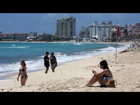 Las playas mexicanas del Caribe se abren al turismo