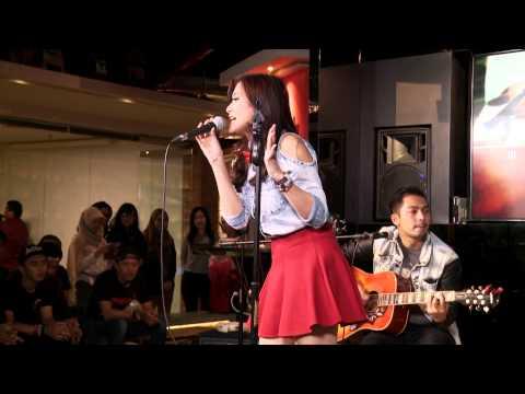 CHRISTI COLONDAM – Menaklukkan Hatiku (Live Streaming WarWar #04)