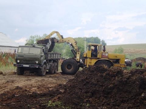 Kirovets K-700A loader