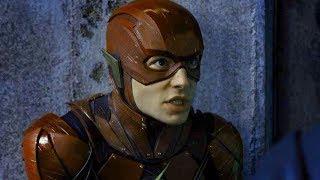 新人超人のフラッシュは逃げ足が速いだけ!?/映画『ジャスティス・リーグ』 超人達の個性が爆発する特別映像