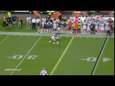 Geno Smith finds Lewis for successful fourth down conversion!