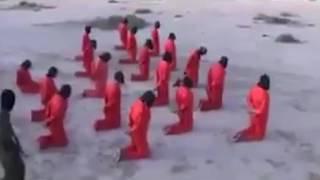 بالفيديو.. لحظة مروعة لإعدام 18 داعشيا في ليبيا