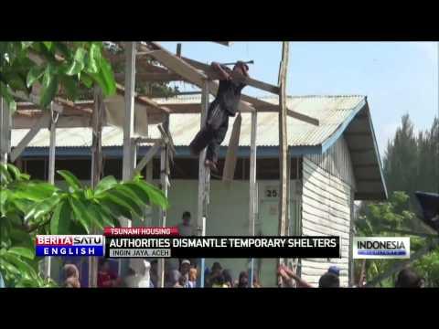 Aceh Officials Dismantle Ramshackle Tsunami Housing