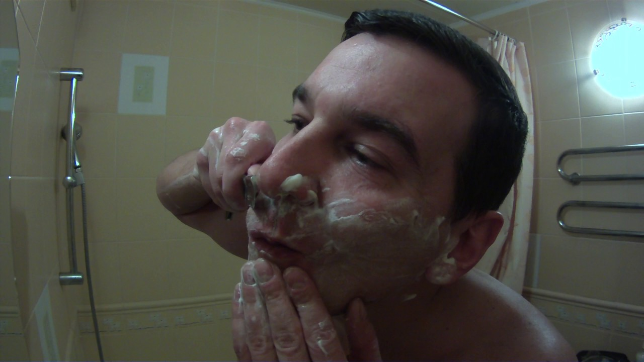 как бриться опасной бритвой видео ютуб