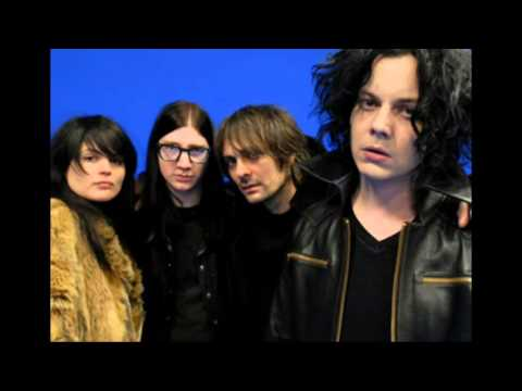 I Cut Like A Buffalo - The Dead Weather (lyrics)