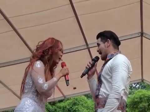 Inul Daratista duet Beniqno-Sakitnya Tuh Disini,Goyang Dumang-Panggung Merah Putih Hongkong 2015