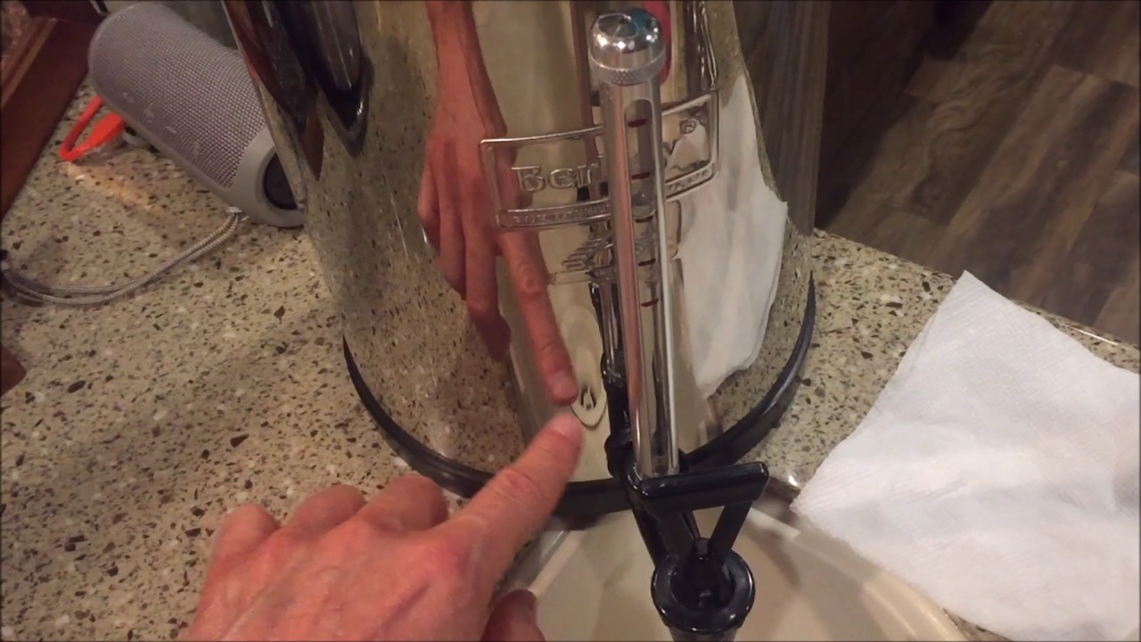 Berkey Water Filter Sight Glass Over Flowing Youtube