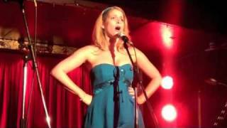 Caroline Sheen - A Simple Valley Song (Live)...